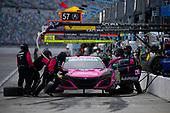 #86: Meyer Shank Racing w/Curb-Agajanian Acura NSX GT3, GTD: Mario Farnbacher, Matt McMurry pit stop