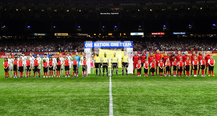 New Orleans, LA - Thursday October 19, 2017: The U.S. Women's National team and South Korea starting eleven's during an International friendly match between the Women's National teams of the United States (USA) and South Korea (KOR) at Mercedes Benz Superdome.