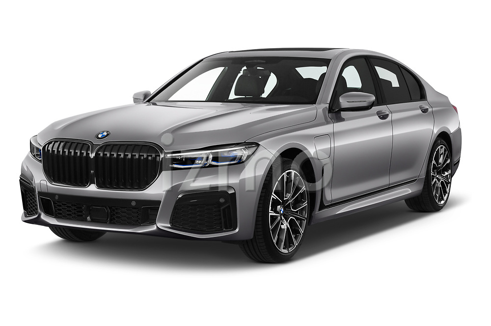 2020 BMW 7-Series  M-Sport 4 Door Sedan angular front stock photos of front three quarter view