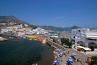 Italien, Ischia, Sant'Angelo mit Strand