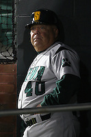 February 20, 2010:  Manager Tony Rossi (40) of the Siena Saints during the season opener at Melching Field at Conrad Park in DeLand, FL.  Siena defeated Stetson by the score of 8-4.  Photo By Mike Janes/Four Seam Images