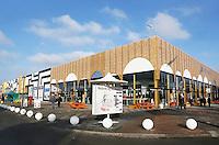 Nederland  Beverwijk  2017. De Bazaar in Beverwijk. De Bazaar in Beverwijk is al 37 jaar de plek waar uiteenlopende culturen samenkomen en is de grootste overdekte markt in Europa. De Bazaar bestaat uit verschillende marktdelen. Hal Mirab.  Foto Berlinda van Dam / Hollandse Hoogte