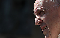 Papa Francesco arriva all'udienza generale del mercoledi' in Piazza San Pietro, Citta' del Vaticano, 20 giugno, 2018.<br /> Pope Francis arrives to lead his weekly general audience in St. Peter's Square at the Vatican, on June 20 2018.<br /> UPDATE IMAGES PRESS/Isabella Bonotto<br /> <br /> STRICTLY ONLY FOR EDITORIAL USE