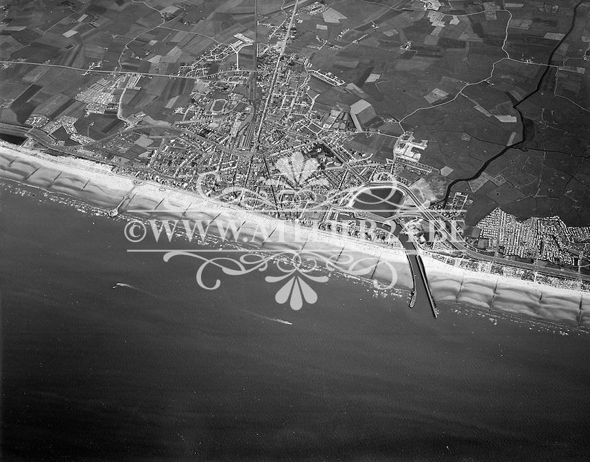 Juli 1973. Luchtfoto van Blankenberge.