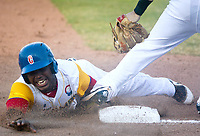 BARRANQUILLA - COLOMBIA, 3-06-2018 .Diover Ávila jugador de la selección Colombia de béisbol en acción contra la selección de Puerto Rico durante Torneo Copa Barranquilla Capital de Vida durante la  apertura del  estadio de Béisbol Edgar Rentería  / Diover Avila player of the Colombian baseball team in action against the Puerto Rico national team during the Copa Barranquilla Capital of Life tournament during the opening of the Edgar Rentería Baseball stadium. Photo: VizzorImage / Alfonso Cervantes / Contribuidor
