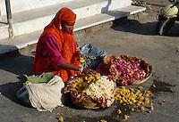 Verkauf von Blumenketten (Mala) in Udaipur, Rajasthan, Indien