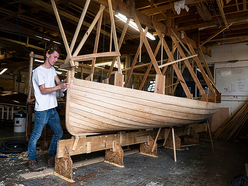The Droleen takes shape in an ideal environment for learning about clinker boat-building