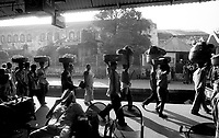 Calcutta (West Bengal)<br /> <br /> Morning at the railway station.<br /> <br /> Matin a la gare.
