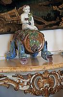 Europe/France/Aquitaine/33/Gironde/Saint-Estèphe: château Phelan-Ségur (AOC Saint-Estèphe) - Détail Bacchus dans la salle à manger