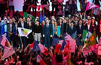 Najat Valaud-Belkacem, Christiane Taubira et BenoÓt Hamon ‡ son Grand meeting ‡ L'Accorhotels Arena Bercy ‡ Paris le 19 mars 2017 . # GRAND MEETING DE BENOIT HAMON A PARIS