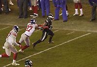 running back Boston Scott (35) of the Philadelphia Eagles gegen cornerback Deandre Baker (27) of the New York Giants - 09.12.2019: Philadelphia Eagles vs. New York Giants, Monday Night Football, Lincoln Financial Field