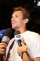SÃO PAULO, 04 DE DEZEMBRO DE 2011 - COMEMORAÇÃO JOGADORES DO CORINTHIANS Paulo André chegando na festa de comemoração do Título do Corinthians no Brasileirão 2011 numa casa de shows na zona sul de SP. FOTO: MILENE CARDOSO- NEWS FREE