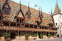 Europe/France/Bourgogne/21/Côte d'Or/Beaune: Les Hospices de Beaune - La cour d'honneur de l'Hotel Dieu [Non destiné à un usage publicitaire - Not intended for an advertising use]