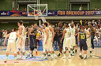 MEDELLÍN - COLOMBIA, 25-08-2017: Jugadores de Brasil y Colombia durante los actos protocolarios previo a partido entre Brasil y Colombia de la fase de grupos, grupo A, de la FIBA AmeriCup 2017 jugado en el coliseo Iván de Bedout de la ciudad de Medellín.  El AmeriCup 2017 se juega  entre el 25 de agosto y el 3 de septiembre de 2017 en Colombia, Argentina y Uruguay. / Players of Brazil and Colombia during formal events prior the match between Brazil and Colombia of the group stage Group A of the FIBA AmeriCup 2017 played at Ivan de Bedout  coliseum in Medellin. The AmeriCup 2017 is played between August 25 and September 3, 2017 in Colombia, Argentina and Uruguay. Photo: VizzorImage / León Monsalve / Cont