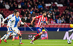 Diego Costa (R) of Atletico de Madrid runs past Martin Maximiliano Mantovani of CD Leganes during the La Liga 2017-18 match between Atletico de Madrid and CD Leganes at Wanda Metropolitano on February 28 2018 in Madrid, Spain. Photo by Diego Souto / Power Sport Images