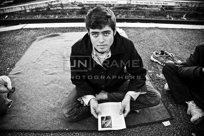 Aamir arrived in Rome less than 2 months ago. He lived on the platform of the dimissed track n.15 at Ostiense train station toghether with some fellows and his inseparable carpet.