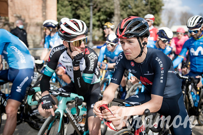 Simon Yates (GBR/Bike Exchange) informing Tom Pidcock (GBR/Ineos Grenadiers) of his brother at the race start in Siena<br /> <br /> 15th Strade Bianche 2021<br /> ME (1.UWT)<br /> 1 day race from Siena to Siena (ITA/184km)<br /> <br /> ©kramon