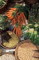 Europe/France/Languedoc-Roussillon/11/Aude/Carcassonne: Détail de l'étal de légumes de Christian Comte (maraicher) sur le marché bio
