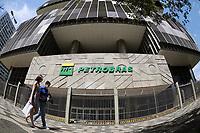 Rio de Janeiro (RJ), 15/04/2020 - Petrobras-Rio - Pouca movimentacao em frente a Petrobras no centro do Rio de Janeiro nesta quarta-feira (15), devido a prevencao ao coronavirus poucas pessoas sao vistas perto da sede. (Foto: Alexandre Durao/Codigo 19/Codigo 19)