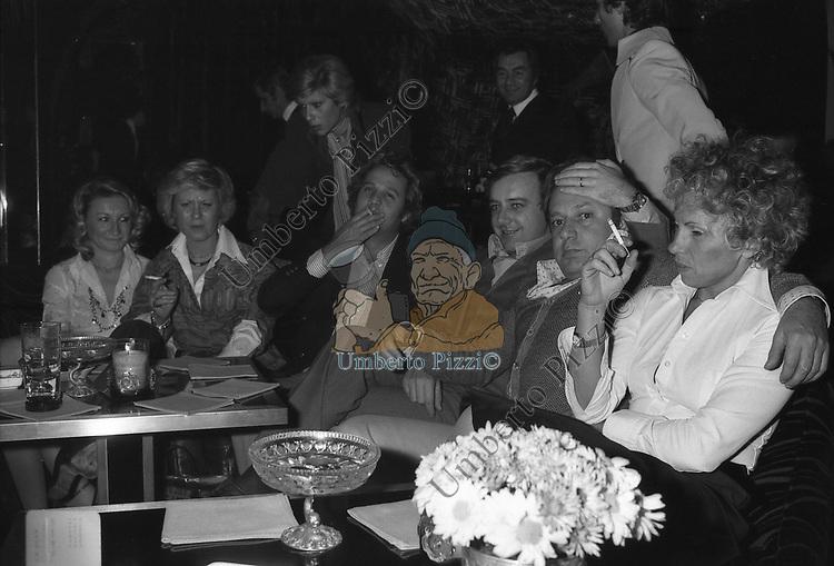 RENATO POZZETTO CON COCHI PONZONI E PAOLO E MAURA VILLAGGIO JACKIE O' 1975