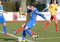 FC Knokke - OMS Ingelmunster : duel tussen Gert Van Walle (r) en Aurelien Verzele (links) <br /> Foto VDB / Bart Vandenbroucke