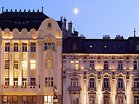 Rolandpalais und Palais Palugyay am Hauptplatz Hlavne nam., Bratislava, Bratislavsky kraj, Slowakei, Europa<br /> Roland Palais and und Palais Palugyay at main square Hlavne nam., Bratislava, Bratislavsky kraj, Slovakia, Europe