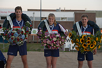 FIERLJEPPEN: BURGUM: 14-07-2018, Keningsljeppen, Sigrid Bokma (Koningin) - Thewis Hobma (Koning) - Wisse Broekstra (Prins), ©foto Martin de Jong