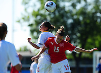European Women's Under - 19 Championship 2011 Italy :.Switzerland - Belgium U19 : luchtduel tussen Anais Renier en Sophie Herzog.foto DAVID CATRY / VROUWENTEAM.BE