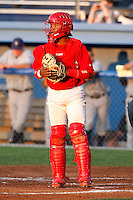August 12, 2009:  Catcher Luis De La Cruz of the Batavia Muckdogs during a game at Dwyer Stadium in Batavia, NY.  The Muckdogs are the Short-Season Class-A affiliate of the St. Louis Cardinals.  Photo By Mike Janes/Four Seam Images