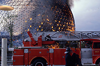 Incendie de la Biosphere<br /> , le 20 mai 1976<br /> <br /> PHOTO : Archives Ville de Montreal