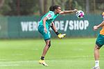 15.09.2020, Trainingsgelaende am wohninvest WESERSTADION - Platz 12, Bremen, GER, 1.FBL, Werder Bremen Training<br /> Tahith Chong (Werder Bremen #22)<br /> Querformat  ,Ball am Fuss, <br /> <br /> <br /> <br /> <br /> Foto © nordphoto / Kokenge