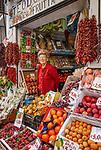 Italien, Kampanien, Sorrentinische Halbinsel, Amalfikueste, Amalfi: lokale Fruechte und Gemuese | Italy, Campania, Sorrento Peninsula, Amalfi Coast, Amalfi: local fruit and vegetables