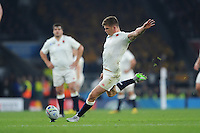 Owen Farrell of England takes a penalty kick during Match 26 of the Rugby World Cup 2015 between England and Australia - 03/10/2015 - Twickenham Stadium, London<br /> Mandatory Credit: Rob Munro/Stewart Communications