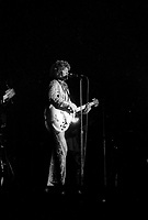 Robert Charlebois en spectacle a Quebec, Mai 1969<br /> (date exacte inconnu, entre le 9 et 15 Mai)<br /> <br /> <br /> PHOTO : Agence Quebec Presse