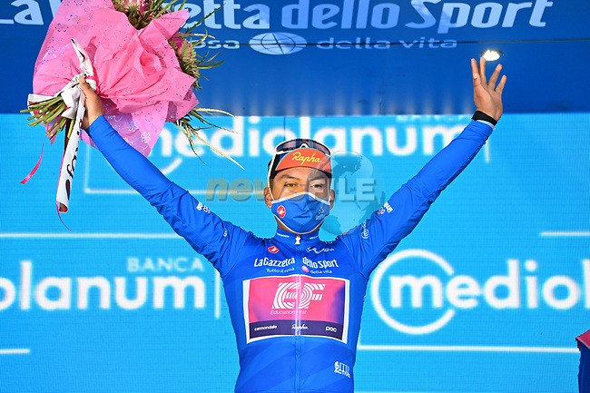 Jonathan Caicedo (ECU) EF Pro Cycling retains the mountains Maglia Azzurra at the end of Stage 4 of the 103rd edition of the Giro d'Italia 2020 running 140km from Catania to Villafranca Tirrena, Sicily, Italy. 6th October 2020.  <br /> Picture: LaPresse/Gian Mattia D'Alberto | Cyclefile<br /> <br /> All photos usage must carry mandatory copyright credit (© Cyclefile | LaPresse/Gian Mattia D'Alberto)
