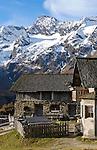 Italy, South Tyrol, Alto Adige, Val Passiria, Oberglanegg alpine pasture hut (2.060 m), autumn landscape at Natural Park Texel Group, near Timmelsjoch High Alpine Road, Hochfirst, Granatenkogel and Koenigskogel mountains