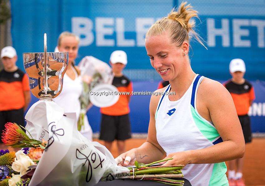 Amstelveen, Netherlands, 1 August 2020, NTC, National Tennis Center, National Tennis Championships,  womens single final: Winner Richel Hogenkamp  (NED) at the prizegiving