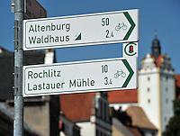 Mit dem Rad unterwegs im Muldental - Sehenswürdigkeit auf dem Weg ist zum Beispiel Schloss Colditz - Radwandern .  Foto:  Norman Rembarz..Norman Rembarz , Autorennummer 41043728 , Augustenstr. 2,  04317 Leipzig, Tel.: 01794887569, Hypovereinsbank: BLZ: 86020086, KN: 357889472, St.Nr.: 232/261/05808 - Jegliche kommerzielle Nutzung ist honorar- und mehrwertsteuerpflichtig! Persönlichkeitsrechte sind zu wahren. Es wird keine Haftung übernommen bei Verletzung von Rechten Dritter. Autoren-Nennung gem. §13 UrhGes. wird verlangt. Weitergabe an Dritte nur nach  vorheriger Absprache..Eine Nutzung im Online-Bereich ist separat kostenpflichtig..