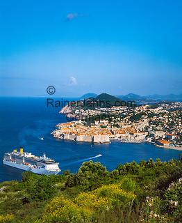 Kroatien, Dalmatien, Dubrovnik: Altstadt - Weltkulturerbe der UNESCO - Kreuzfahrtschiff   Croatia, Dalmatia, Dubrovnik: Old Town - UNESCO world heritage - cruise ship