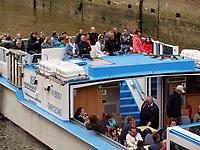 Touristenboote in der  Speicherstadt, Hamburg, Deutschland, Europa<br /> tourist boat in Speicherstadt, Hamburg, Germany, Europe