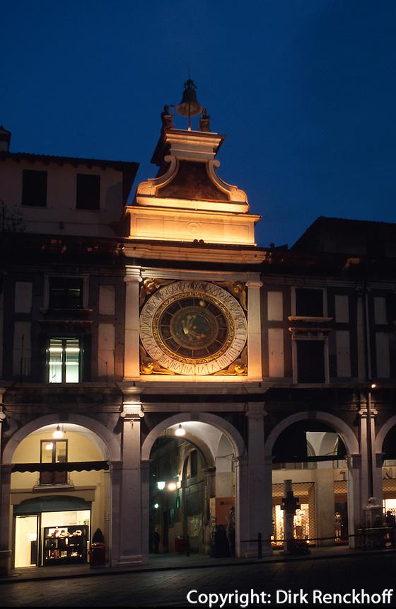 Italien, Lombardei, Uhrturm in Brescia