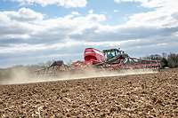 Driling spring barley with a Horsh 13.4m drill - Suffolk, April