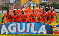 ENVIGADO - COLOMBIA, 03-04-2019: Los jugadores de Envigado F. C., posan para una foto, antes de partido entre Envigado F. C., y Atlético Bucaramanga de la fecha 13 por la Liga Águila I 2019, en el estadio Polideportivo Sur de la ciudad de Envigado. / The players of Envigado F. C., pose for a photo, prior a match between Envigado F. C., and Atletico Bucaramanga of the 13th date  for the Leguaje Aguila I 2019 at the Polideportivo Sur stadium in Envigado city. Photo: VizzorImage / León Monsalve / Cont.