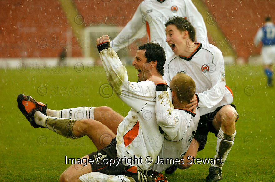 20040403     Copyright Pic : James Stewart.File Name : jspa05_clyde_v_qots.JACK ROSS CELEBRATES SCORING CLYDE'S SECOND GOAL......James Stewart Photo Agency 19 Carronlea Drive, Falkirk. FK2 8DN      Vat Reg No. 607 6932 25.Office     : +44 (0)1324 570906     .Mobile  : +44 (0)7721 416997.Fax         :  +44 (0)1324 570906.E-mail  :  jim@jspa.co.uk.If you require further information then contact Jim Stewart on any of the numbers above.........