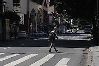 Campinas (SP), 25/03/2021 - Covid-SP - Av Francisco Glicerio. Movimentacao na regiao central de Campinas, no interior de Sao Paulo, nesta quinta-feira (25). A cidade vai ampliar as medidas restritivas na quarentena a partir desta sexta-feira (26). Com as novas regras, sera permitido o acesso de apenas uma pessoa por familia em servicos essenciais, como supermercados e padarias, e o drive-thru sera exclusivo para alimentacao - comercio em geral podera atender somente por delivery. (Foto: Denny Cesare/Codigo 19/Codigo 19)