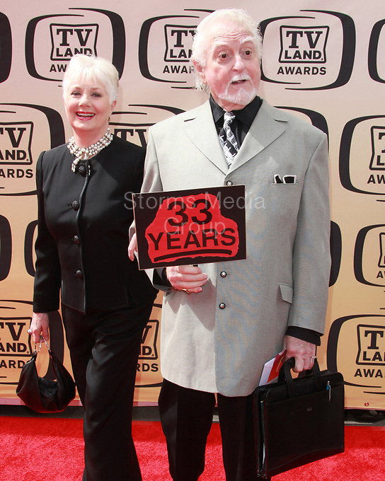 LOS ANGELES, CA - APRIL 17: Shirley Jones and Marty Ingels arrives at 8th Annual TV Land Awards at Sony Studios on April 17, 2010 in Los Angeles, California. <br /> <br /> People:  Shirley Jones, Marty Ingels