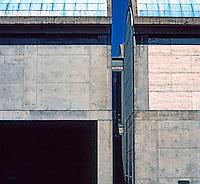 Louis I. Kahn: Kimbell Art Museum, Fort Worth. Subtle Kahnesque detail.  Photo '96.