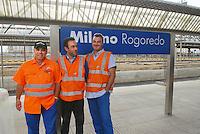 - Trenitalia workers in Milan Rogoredo station....- operai Trenitalia alla stazione di Milano Rogoredo
