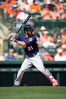 Minnesota Twins left fielder Darin Mastroianni (21) at bat during a Spring Training game against the Baltimore Orioles on March 7, 2016 at Ed Smith Stadium in Sarasota, Florida.  Minnesota defeated Baltimore 3-0.  (Mike Janes/Four Seam Images)