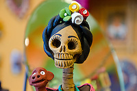 Mujere de Dia de la Muerte, Pikes Market Seattle, WA USA